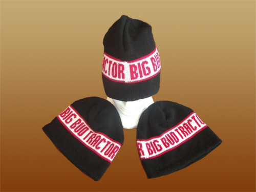 V-16 747 Big Bud Knit Cap