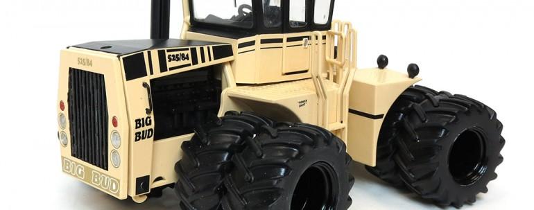 1/32nd Big Bud 525/84 Desert Camo with Duals
